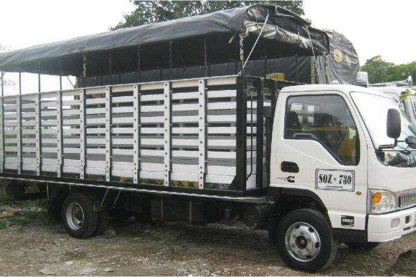 Carrocería de estacas para JAC 1063 de 5.7 toneladas