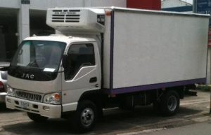 Furgón aislado para JAC 1060 de 5.3 toneladas